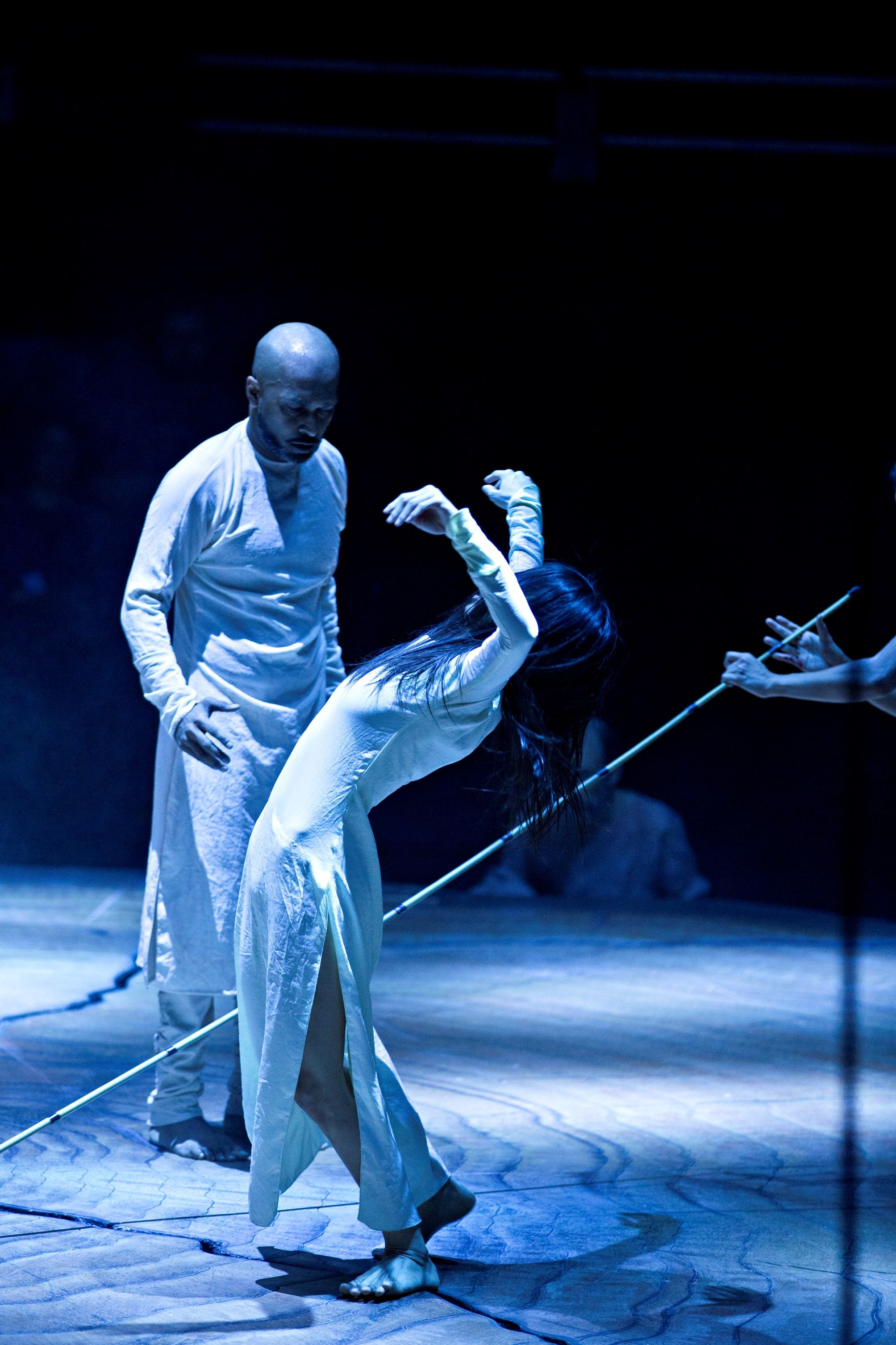 Akram Khan and Ching-Ying Chien Until the Lions at the Roundhouse 9-24 January 2016 Credit Jean Louis Fernandez 11.jpg