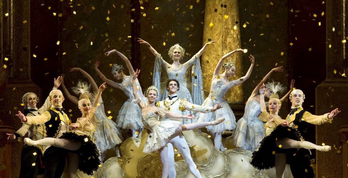 Natasha Oughtred as Princess Aurora, Iain Mackay as Prince Florimund and Jenna Roberts as the Lilac Fairy with Artists of Birmingham Royal Ballet. Photo by Bill Cooper