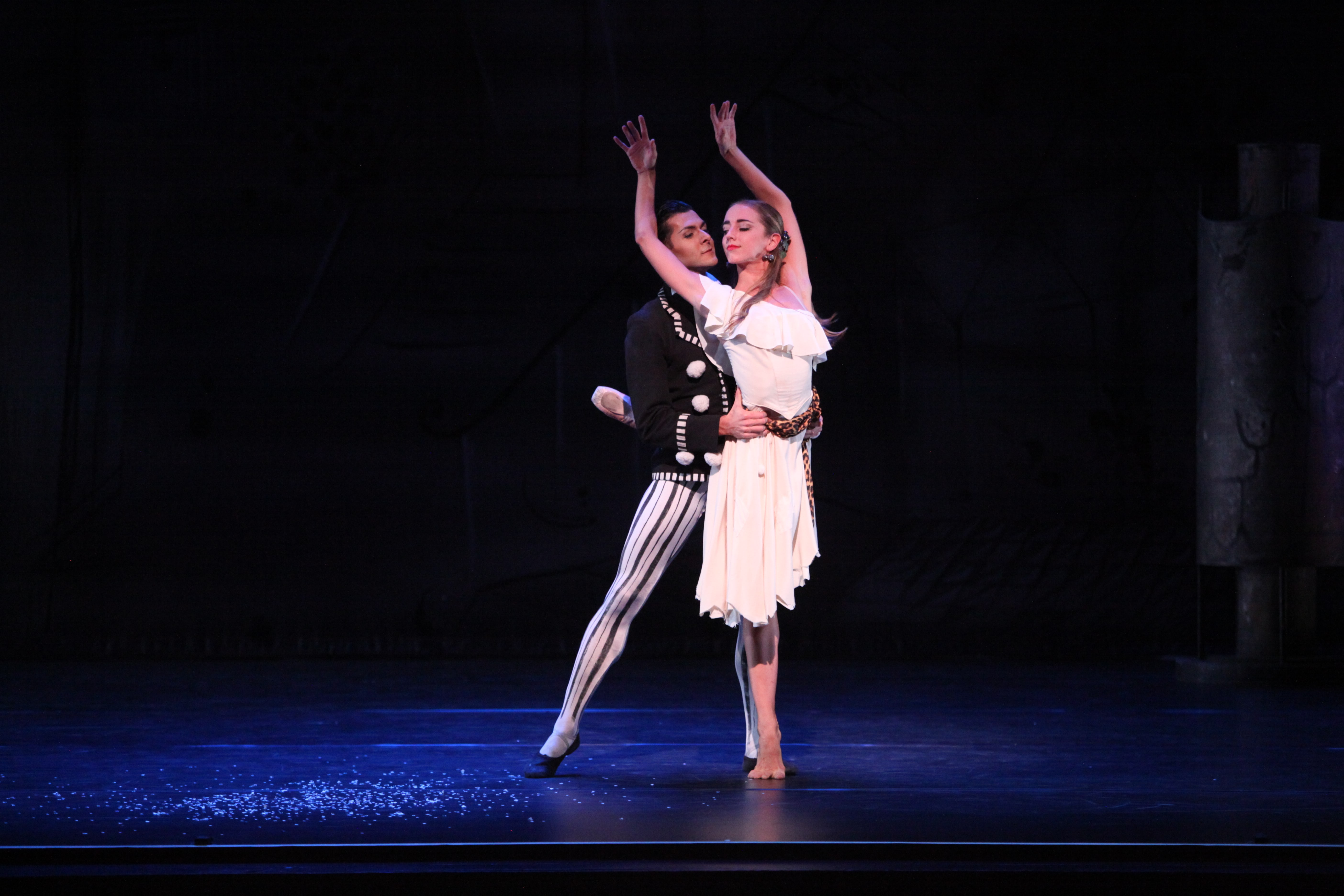 Ellen Overstreet and Ricardo Graziano in Sir Frederick Ashton's Illuminations. Photo by Frank Atura