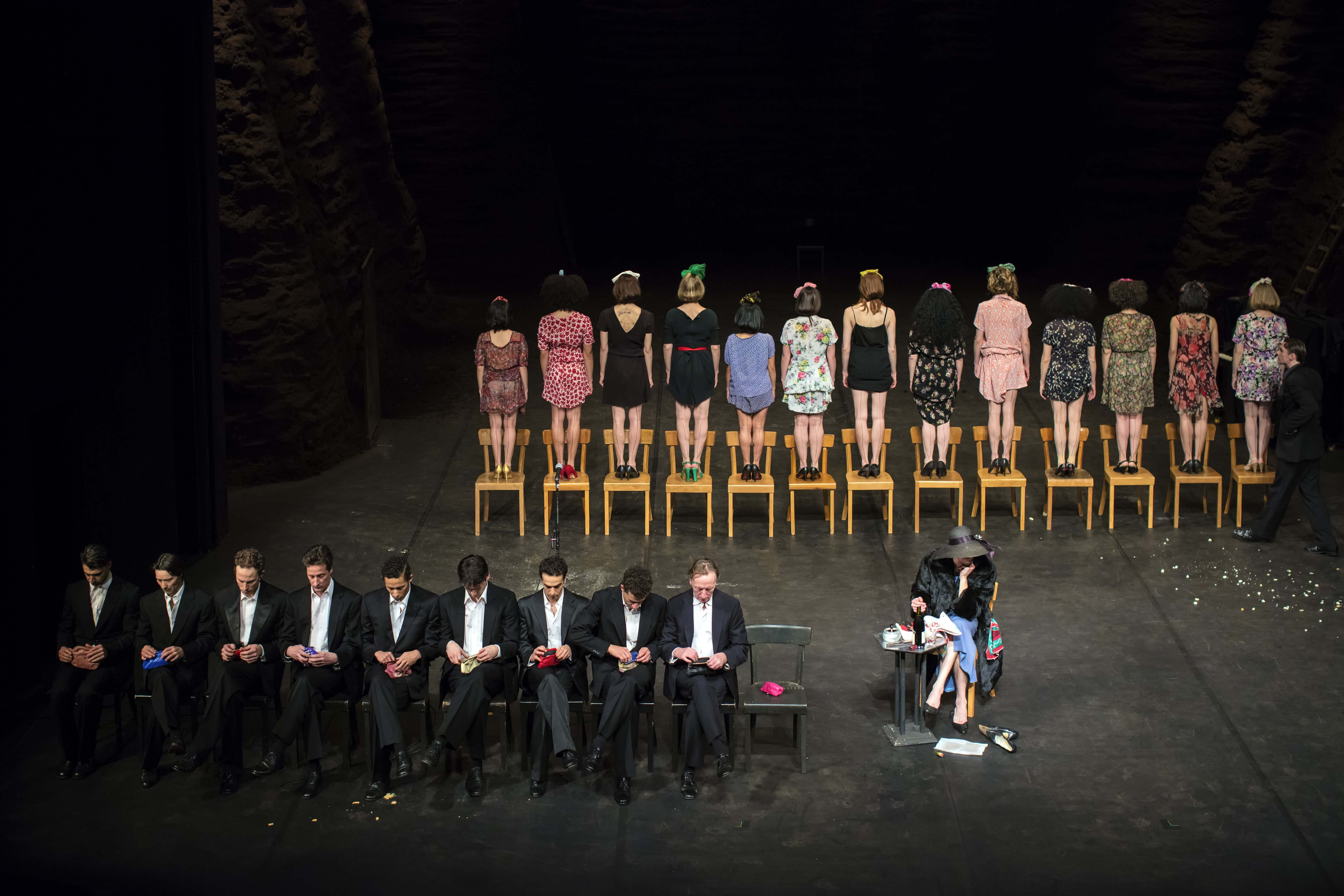 Tanztheater Wuppertal Pina Bausch - Viktor © Meyer Originals