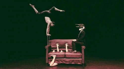 Living Room Circus - The Penguin. Photo by Miriam Strong