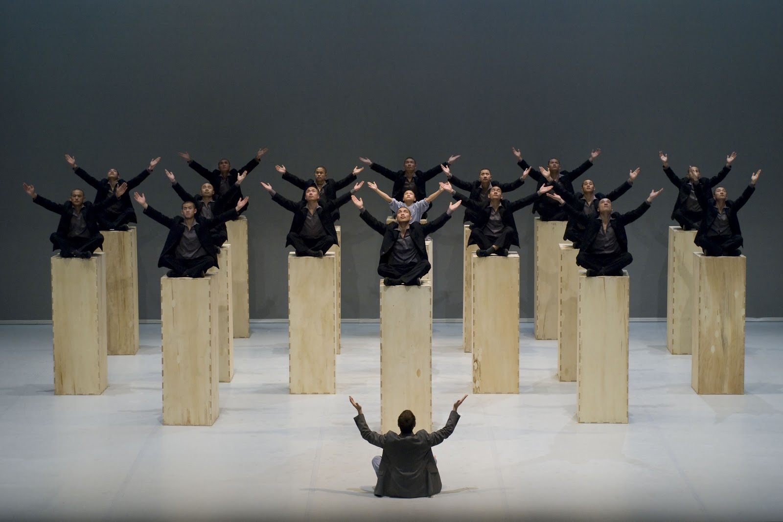 Sidi Larbi Cherkaoui & The Shaolin Monks, Sutra, with Anthony Gormley and Szymon Brzóska