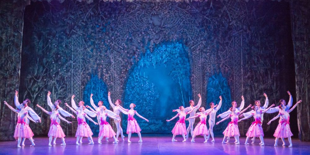 English National Ballet in Nutcracker © Laurent Liotardo.