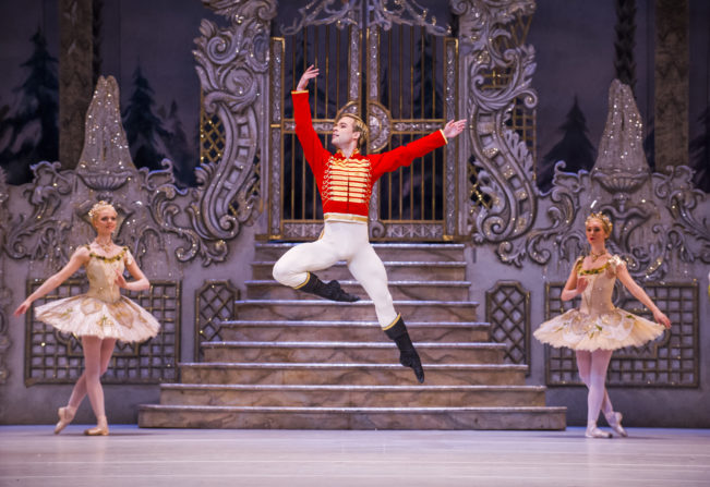 The Royal Ballet's Nutcracker saves Christmas!